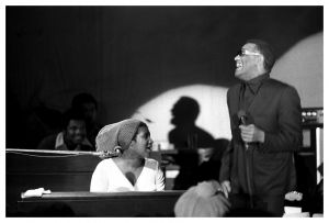 aretha-franklin-ray-charles-san-francisco-ca-1971-robert-altman.jpg